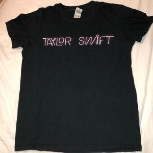 taylor swift tour tee